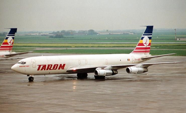 Avion Boeing - 707 - Tarom